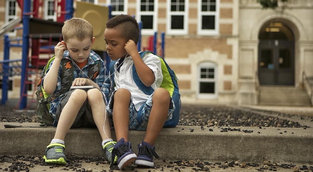 Foto de la entrada:¿Qué app de música es la mejor para mis hijos?