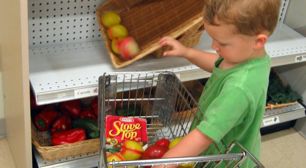Comprar alimentos saludables en tienda