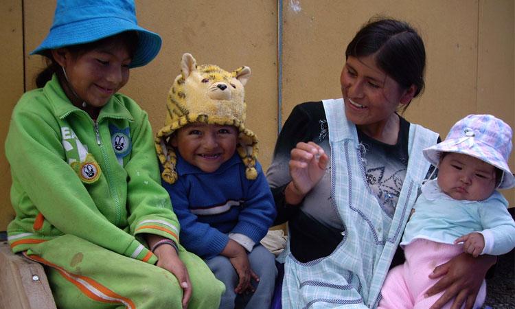 familia-barrio-periferico-La-Paz