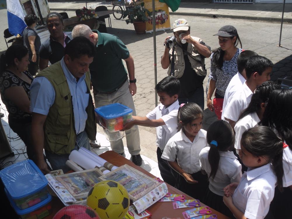 paquete escolar Nicaragua