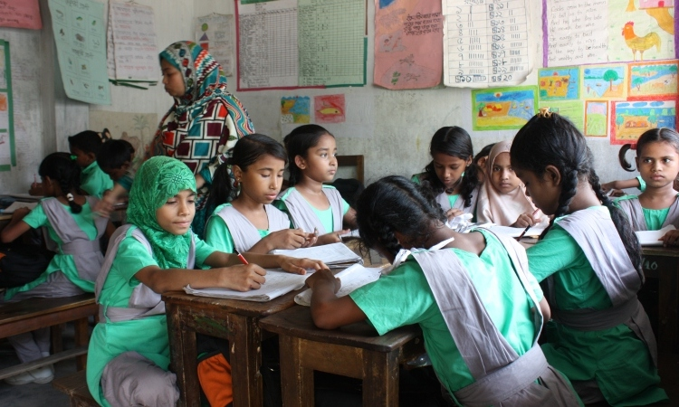 Escuela Educo de educación secundaria en Bangladesh