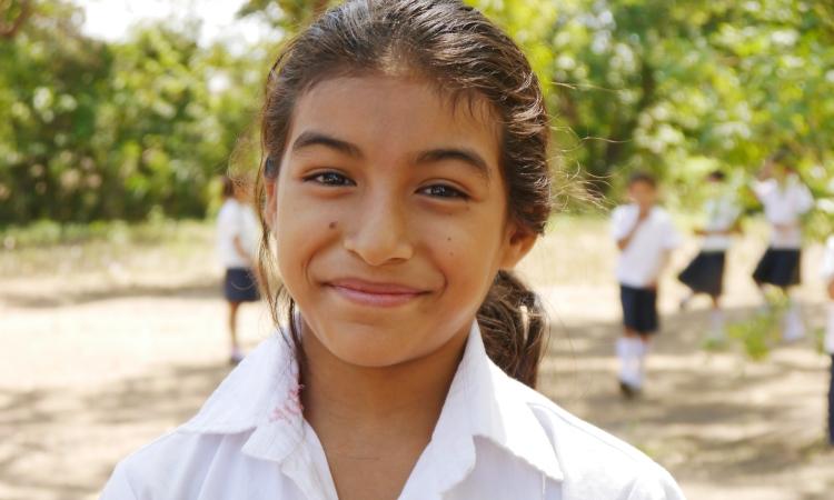 Yuris Estela Turcios Melara, estudiante de cuarto grado en el Centro Escolar Cooperativa Las Burras