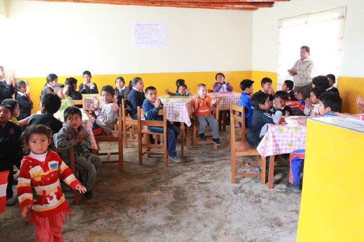 Nuevo comedor escolar de Huamanpalí, Perú