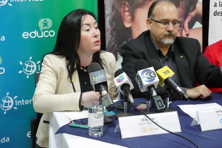 rueda de prensa ONG El Salvador-Alicia Avila
