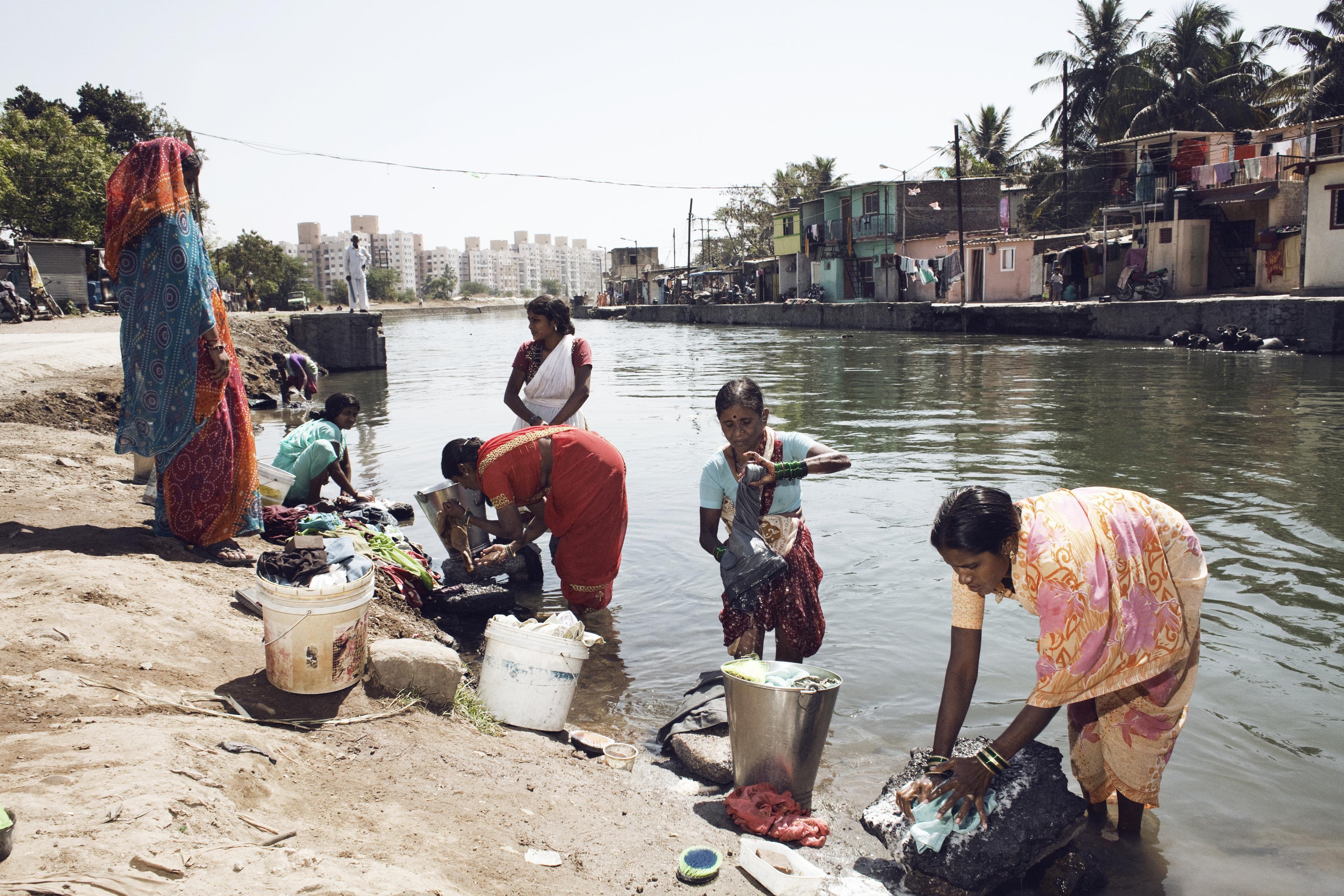 Pune, India, 17_23 febrero 2013 SHIDE VASTI comunity 596 casas 2700 habitantes