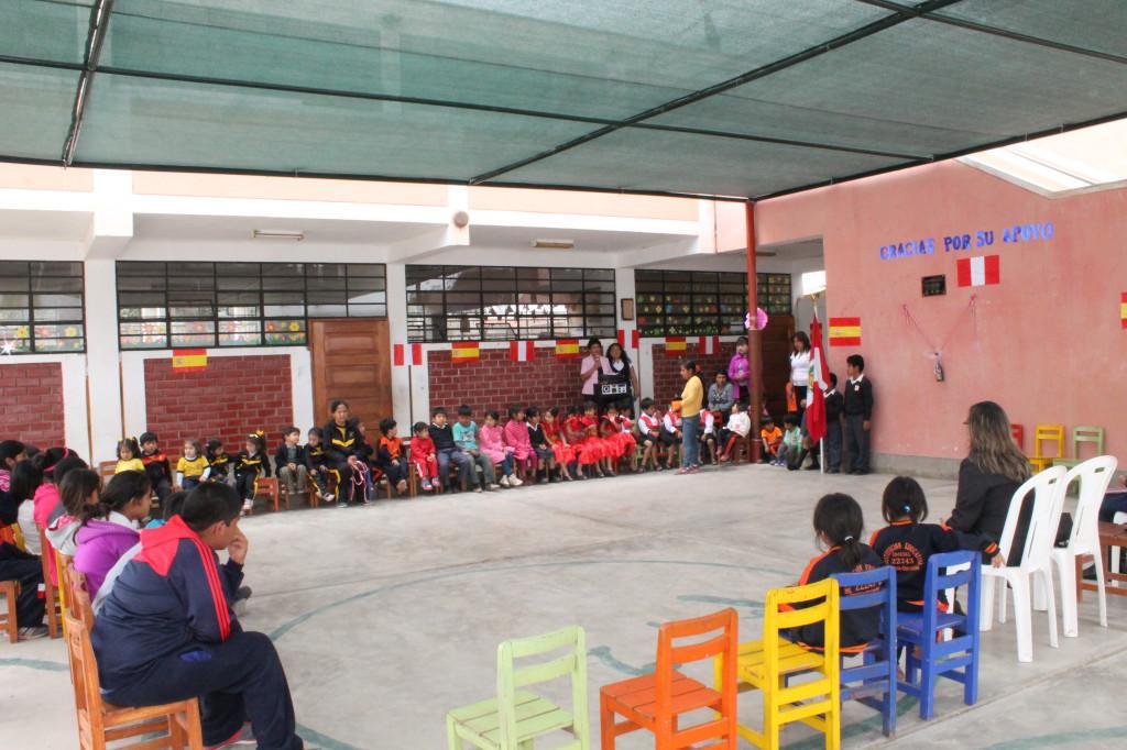 Pista cubierta escuela Perú