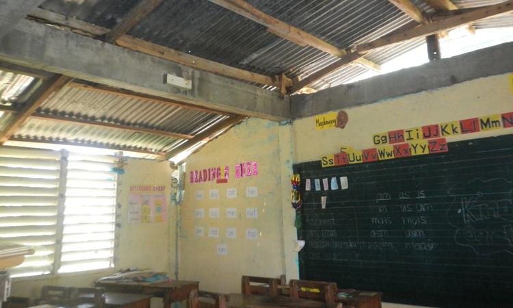 escuela-Filipinas-dañada-tifon