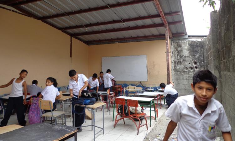 Escuela-Estela-Lage_Guayaquil_antes