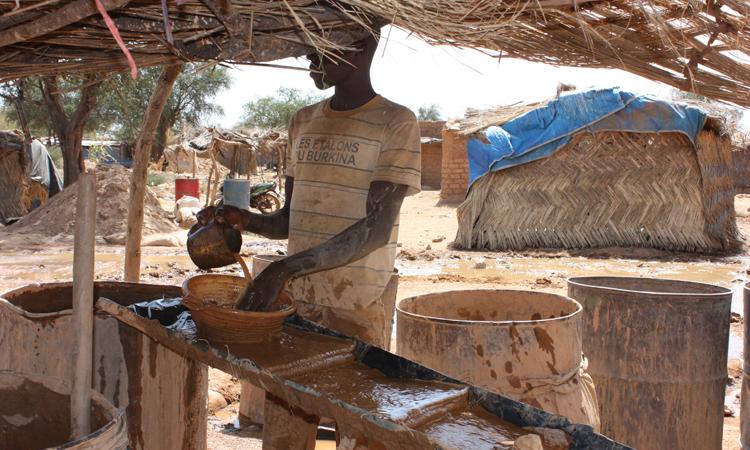 lavado-polvo-de-oro-Burkina