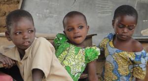 Benín-niñas-en-escuela