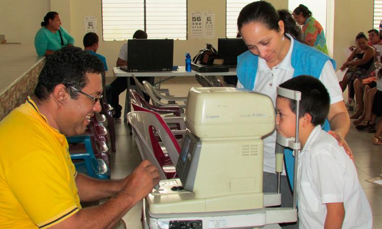 revisión optométrica-escuela El Salvador