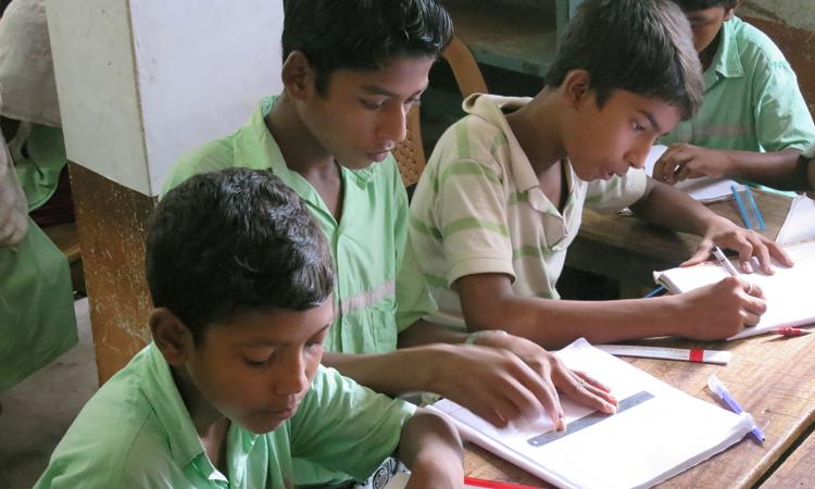 aula-escuela-Shampur