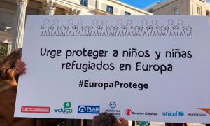 foto-twitter-pancarta_EuropaProtege