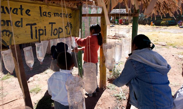 lavado_manos_escuela_Perú