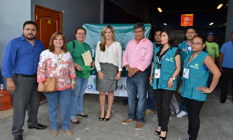 El material higiénico fue entregado a las autoridades municipales de Guayaquil