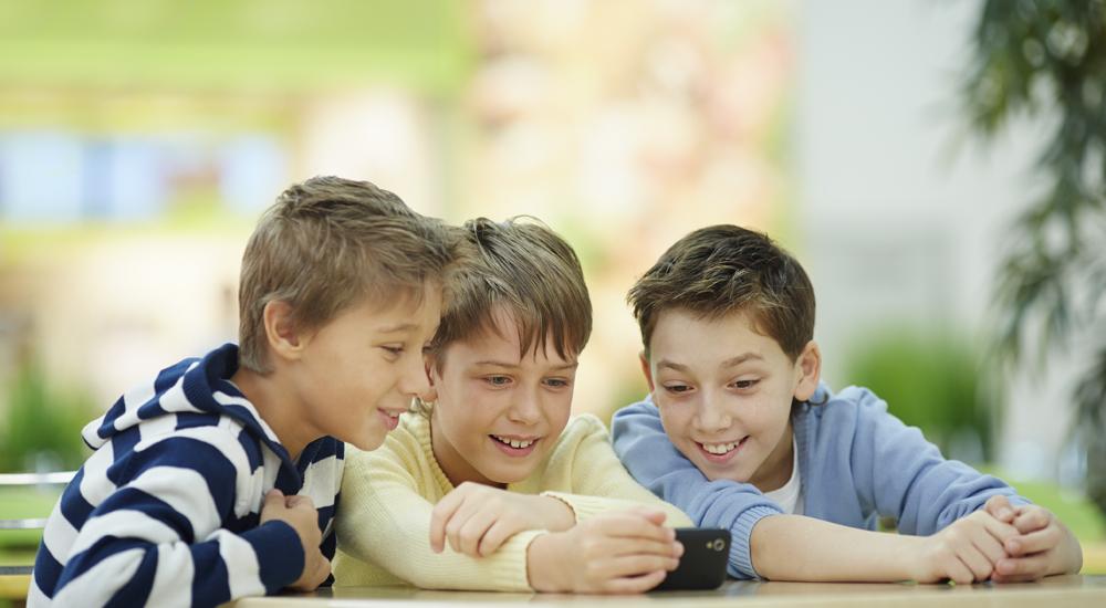 6 cosas a tener en cuenta antes de comprar un móvil a tu hijo-interior
