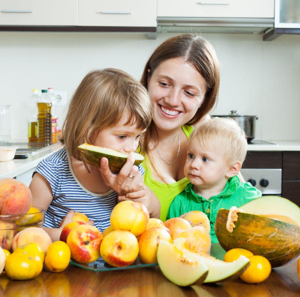 Consejos para alimentar saludablemente a los niños