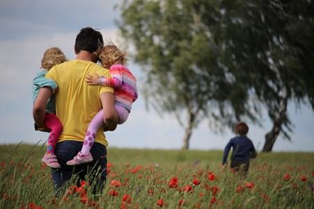 Foto de la entrada:Actividades divertidas para hacer en primavera con tus hijos e hijas