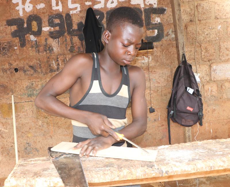 """Foto de la entrada:""""Cada día ponía en riesgo mi vida"""": trabajar en una mina de oro de Burkina Faso cuando solo eres un niño"""