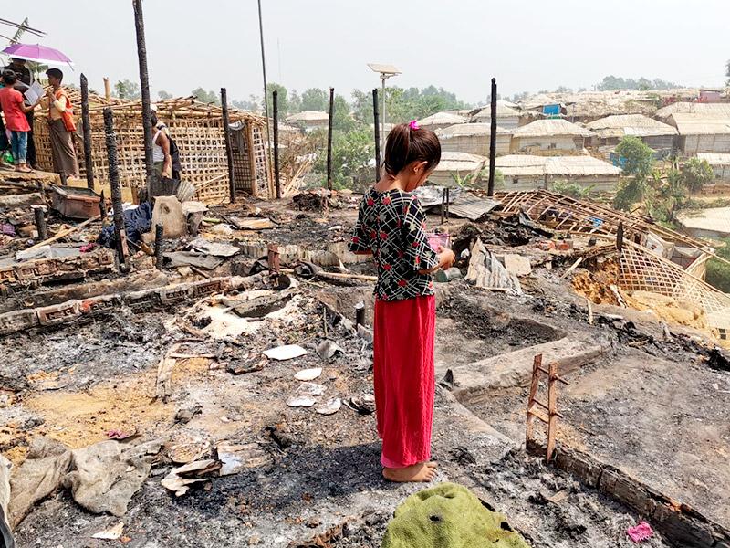 Foto de la entrada:Ayuda de emergencia para la infancia afectada por el incendio en el campo de refugiados rohingya de Bangladesh