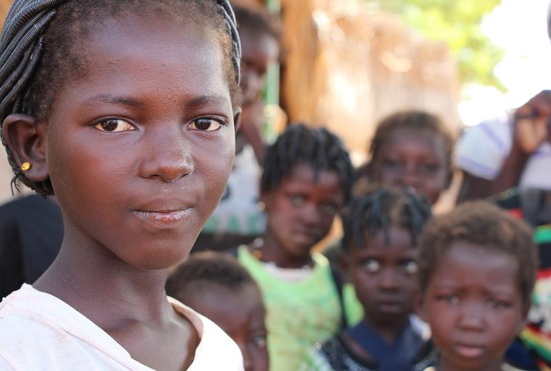 4-Ninas_Educo_Burkina-(1).jpg