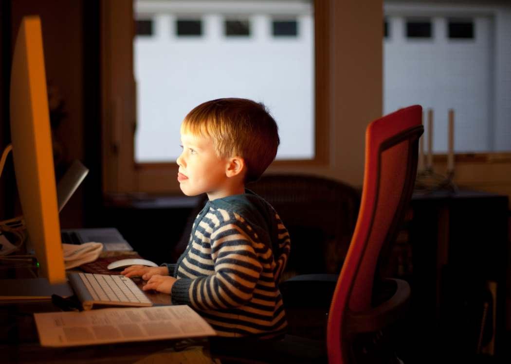 Foto de la entrada:Consejos prácticos para proteger a los niños online
