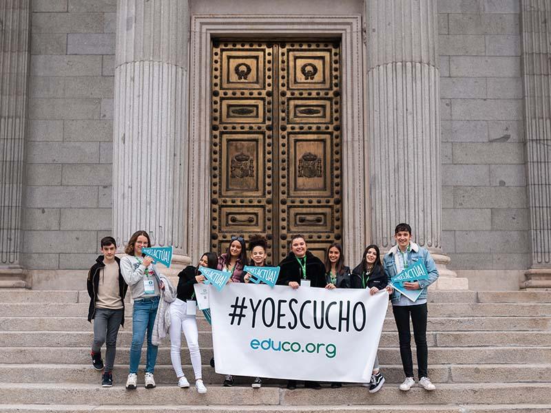 Campana-YoEscucho-en-el-Congreso-(1).jpg