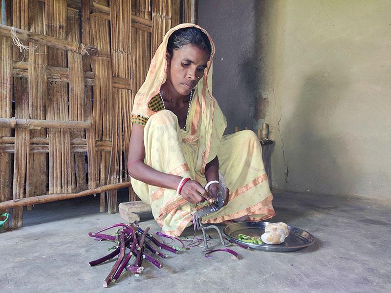 Dakkhi-cocinando-en-casa-(1).jpg