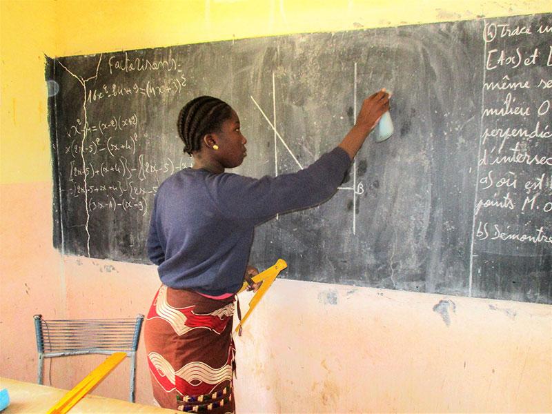 Escuela-matematicas-mali-(1).jpg