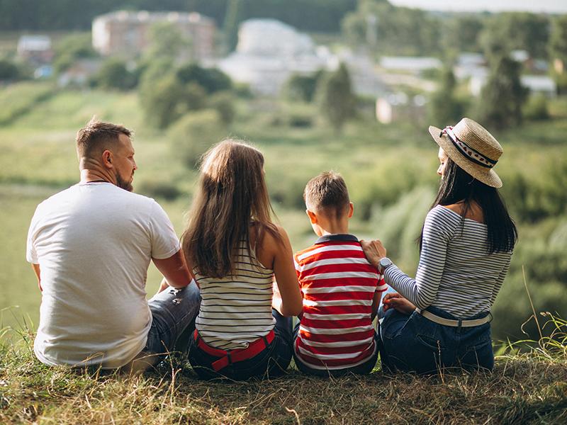 Familia-en-el-campo.jpg