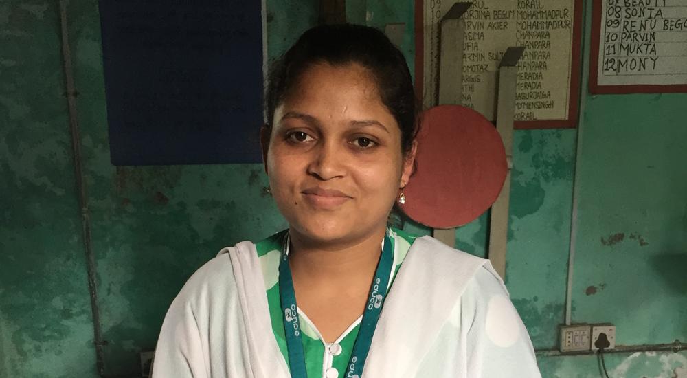 Estudiante ahora maestra de Bangladeh