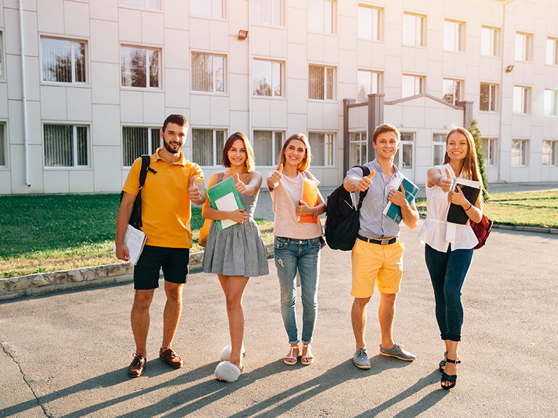 Jovenes-motivados-universidad-(3).jpg
