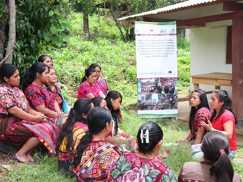 Mujeres-indigenas-formacion-Guatemala.jpg