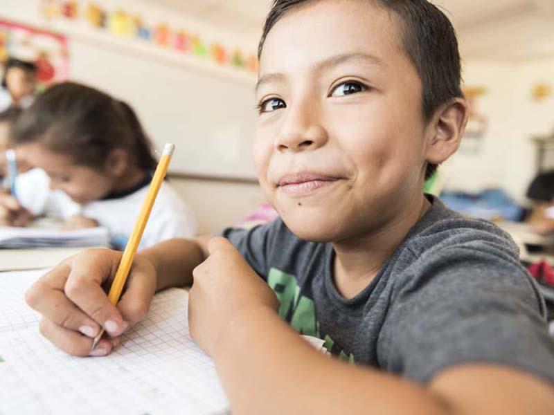Nino-escuela-El-Salvador.jpg