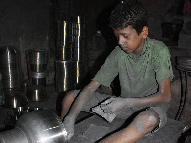 Nino-trabajador-hierro-(1).jpg