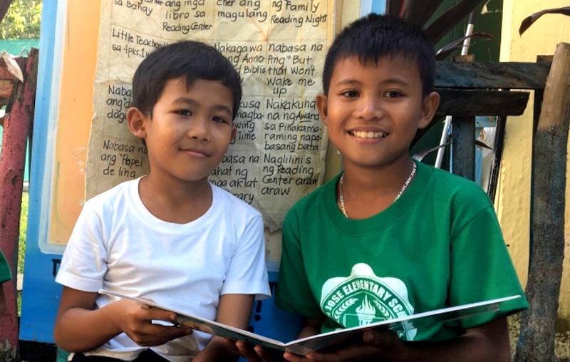 Ninos-lectura-filipinas-(1).jpg