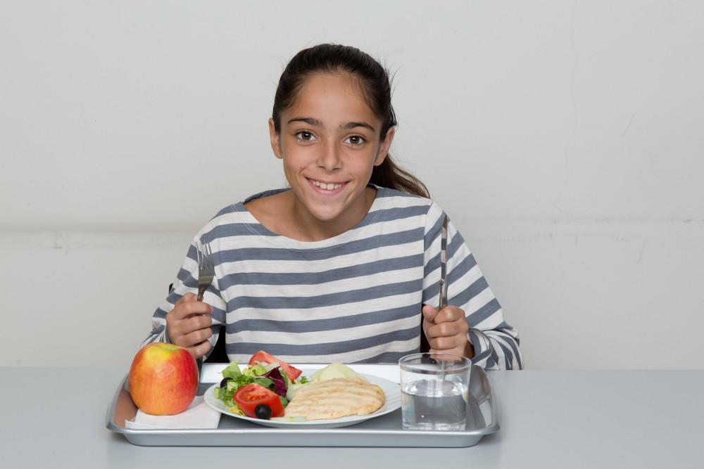 Volvemos a las escuelas con nuestro programa de Becas Comedor