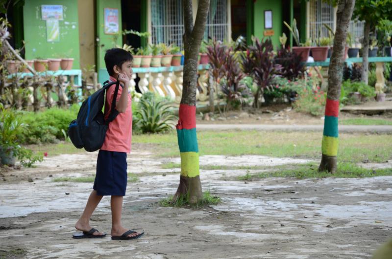Coronavirus: empleo en huertos comunitarios, lavamanos en escuelas y recursos educativos online para Filipinas