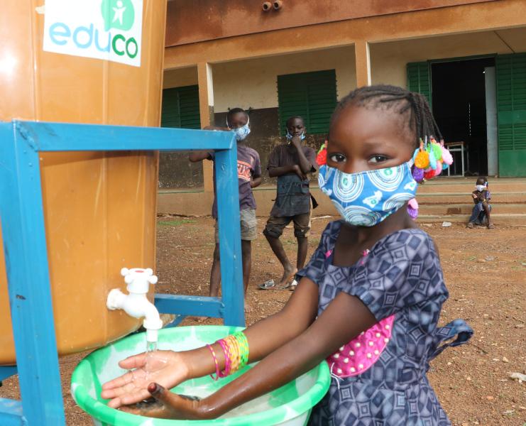 Foto de la entrada:Coronavirus: empezamos la instalación de más de 300 dispositivos para el lavado de manos en 57 escuelas de Burkina Faso