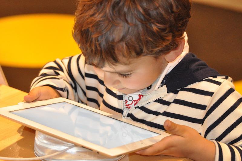 Foto Violencia online contra niños y niñas: ¿qué tipos existen y cómo evitarla?