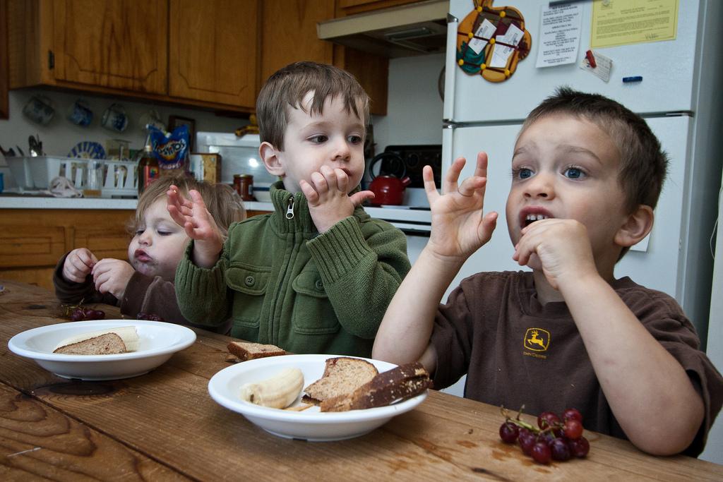 Comer en familia, un hábito saludable para los niños