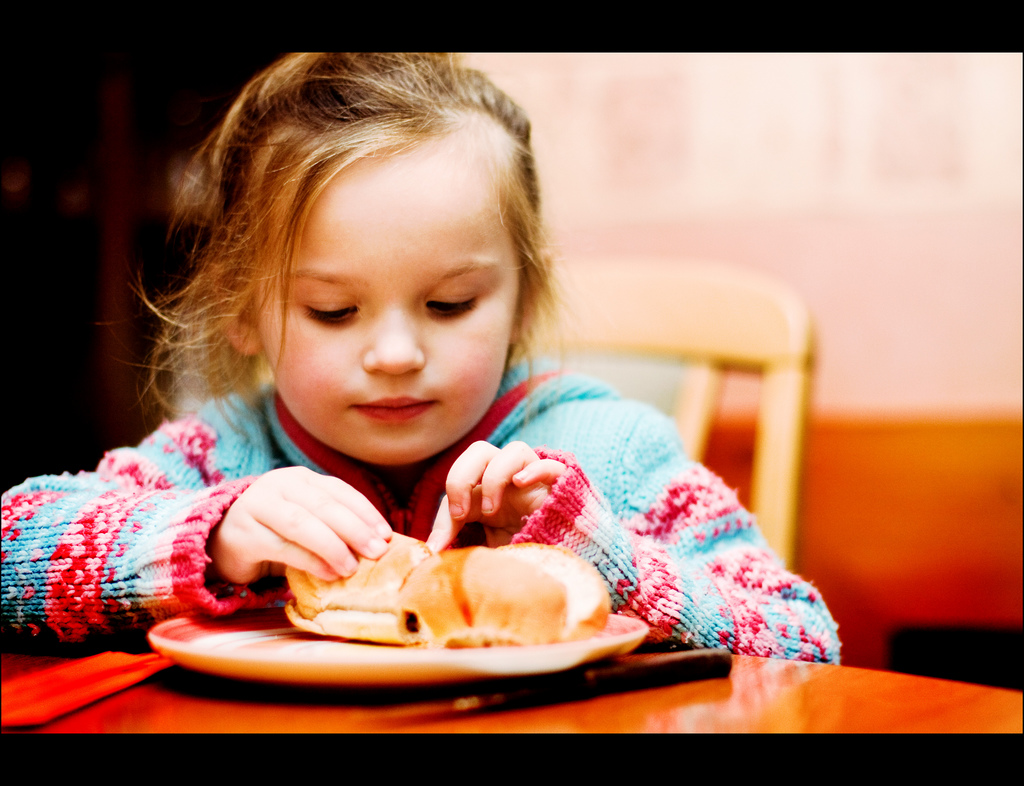 Foto de la entrada:La comida basura sí afecta al rendimiento escolar