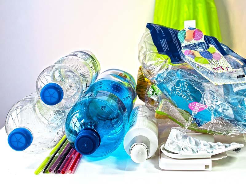 ¿Qué puedes hacer para evitar el consumo de plásticos?