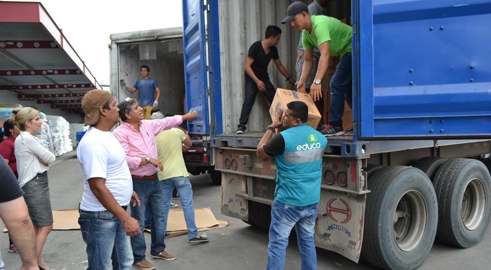 Terremoto de Ecuador: distribuimos ayuda a la población afectada