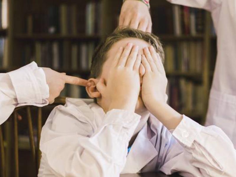 Foto de la entrada:Discriminación en el colegio: Síntomas y consejos para tu hijo