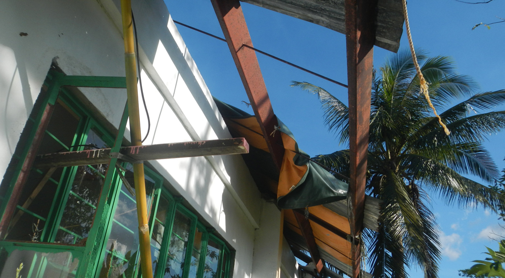 Recuperamos las escuelas dañadas por el tifón