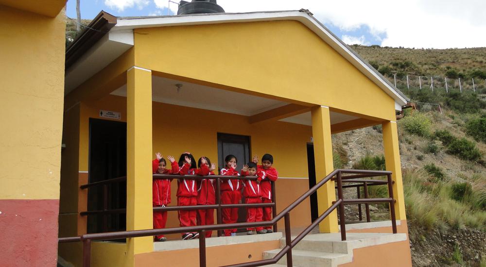 Escuelas sanas en los suburbios de La Paz