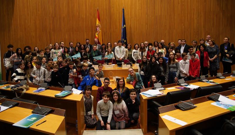 Foto de la entrada:Niños y niñas de Educo reclaman en el Congreso la Ley para acabar con la violencia contra la infancia