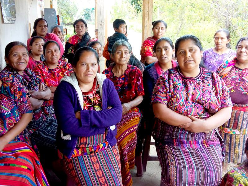 """Foto de la entrada:""""He aprendido a cultivar la tierra y alimentar mejor a mi familia"""""""