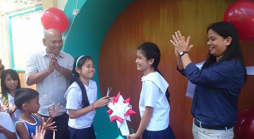 """Creando escuelas """"amigas de la infancia"""" en Filipinas"""